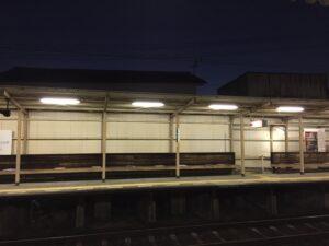 早朝の琴電駅(高松市)