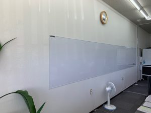 事務所のホワイトボード設置